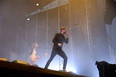 Kaiser-Leiter versehen im Konzert an FLUNKEREI Festival mit einem Band Stockfotos
