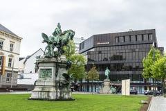 Kaiser Wilhelm статуи в Дюссельдорфе, Германия i и Bismarck Стоковое Фото