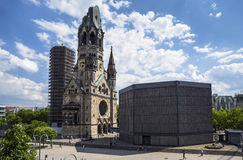 Kaiser-Wilhelm-Kirche i Berlin, Tyskland Arkivbild