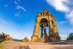 Kaiser Wilhelm Monument i Porta Westfalica royaltyfria bilder