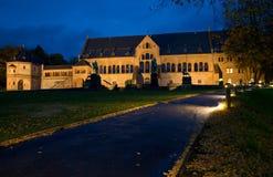 Kaiserpfalz在Goslar在晚上 免版税库存图片