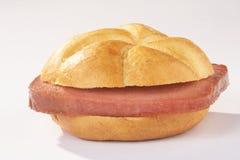 kaiserroll leberkaesesemmel肝脏大面包 库存照片