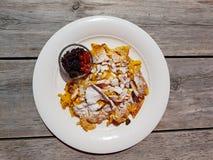 Kaiserschmarren, dessert autrichien traditionnel de crêpe photos stock