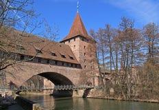 Kaisersteg en Kettensteg Nuremberg Stock Afbeelding