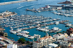 Kaj och port av Alicante, Spanien Royaltyfri Foto