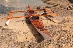 Kajak auf einem Strand in Majorca Stockbilder