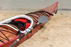 Kajak auf einem Strand in Mallorca Stockfotografie
