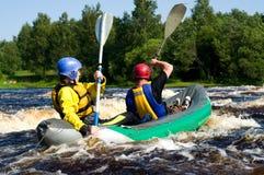 Kajak auf Fluss Stockfoto