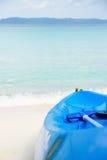 Kajak auf Strand Lizenzfreies Stockfoto