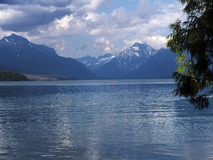 Kajak am Bowman See-Gletscher-Nationalpark Stockfoto
