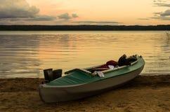 Kajak en el lago Fotografía de archivo