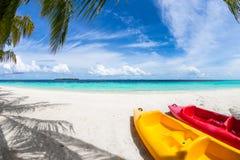 Kajak en la playa Imagen de archivo libre de regalías