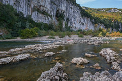 Kajak i den Ardeche floden, Frankrike Arkivbilder