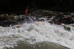 Kajak i whitewater Royaltyfri Foto