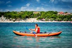 Kajak på havet royaltyfri bild