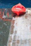Kajak rojo Fotografía de archivo libre de regalías