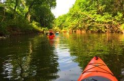 Kajaker på floden Royaltyfri Fotografi