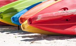 Kajaker på stranden Fotografering för Bildbyråer