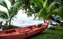 Kajakować na wyspie zdjęcia stock