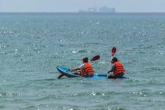 Kajakować na morzu Obraz Royalty Free