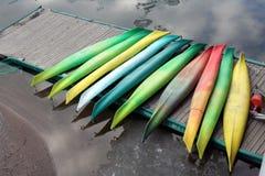 Kajaks coloridos 1 Foto de archivo