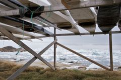 Kajaks durch das Meer Lizenzfreie Stockfotografie