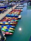 Kajaks in Valdez-haven stock afbeeldingen