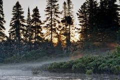 Kajakuje w jeziorze, Parc De Los angeles Mauricie Obraz Stock