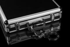 Kajdanki przykuwający osrebrzać skrzynkę Fotografia Royalty Free