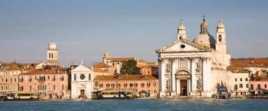 Kajen av Venedig på Zattere, Italien Arkivbilder