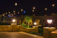 Kajsemesterort av Hurghada på natten arkivbild