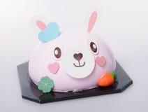 kaka eller kaka för easter kanin på en bakgrund Royaltyfri Bild