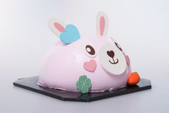 kaka eller kaka för easter kanin på en bakgrund Arkivbilder