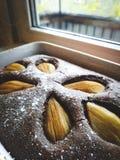 Kaka för höstchokladpäron royaltyfria foton
