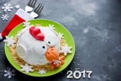 Kaka för tuppkakahane, hönakaka, feg kaka, fågelkaka - fe Arkivfoton
