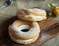 Kaka i pudrat socker Fotografering för Bildbyråer
