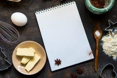 Kakadanande Kakaingredienser pudrar, ägget, smör, stekhet powd Royaltyfri Foto