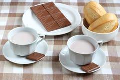 Kakao, choklad och bullar Arkivfoton