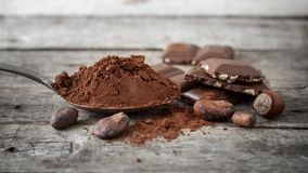 Kakao, czekolada i dokrętki, zdjęcie royalty free