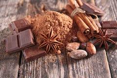 Kakao, Schokolade und Gewürze lizenzfreies stockbild