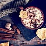 Kakao z marshmallow fotografia royalty free