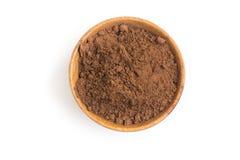 Kakaowy proszek w puchar w białym tle zdjęcie stock
