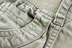 Kakifarbige Tasche mit Details Lizenzfreie Stockbilder