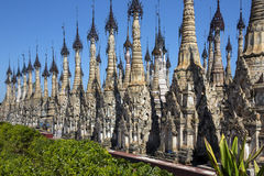Kakku寺庙Stupa -掸邦-缅甸 免版税库存图片