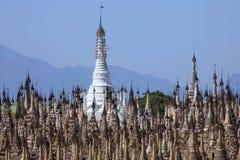 Kakku tempelkomplex - Shan påstå - Myanmar Arkivfoton