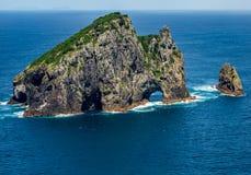 Kako del  de Motu KÅ, también conocido como la isla de Piercy o el agujero en el rocho imagen de archivo