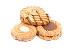 Kakor med choklad på vitbakgrunden Royaltyfria Foton