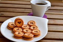 Kakor och kaffe fotografering för bildbyråer