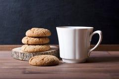 Kakor och kaffe Arkivfoton