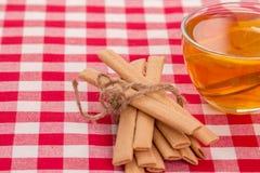 Kakor och kuper av tea Royaltyfri Foto